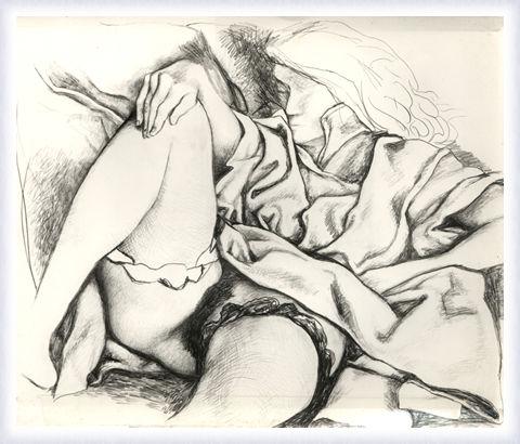 Figura di donna sdraiata